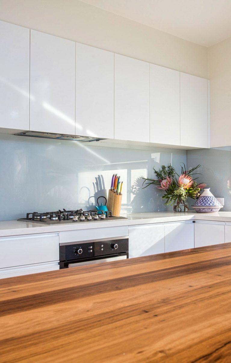 Sleek modern kitchen by DRK Kitchens