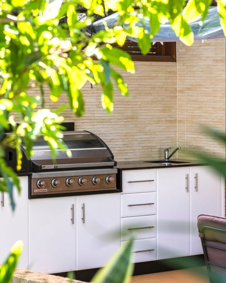 Outdoor Kitchens by DRK-Kitchens
